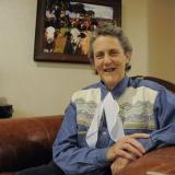 Тэмпл Грандин - взрослый аутист, специалист по домашним животным и защитник прав аутистов